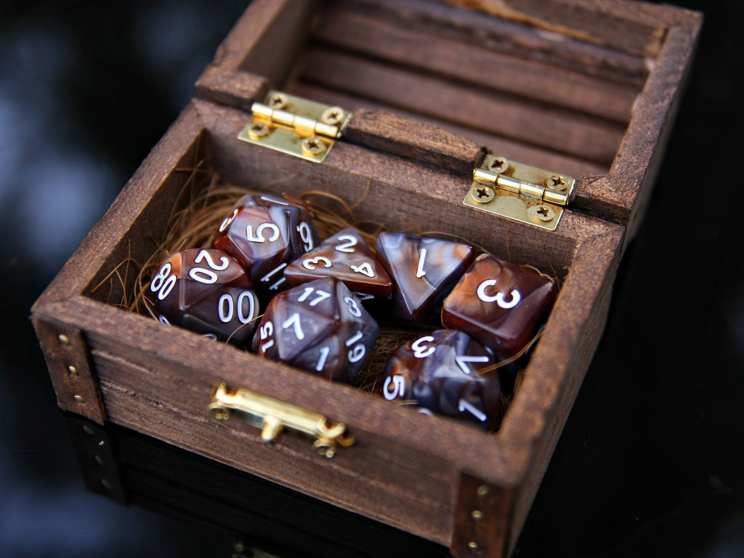 Dd Dice Set 7 Brown Lava Dnd Polyhedral Dice In Wooden Chest
