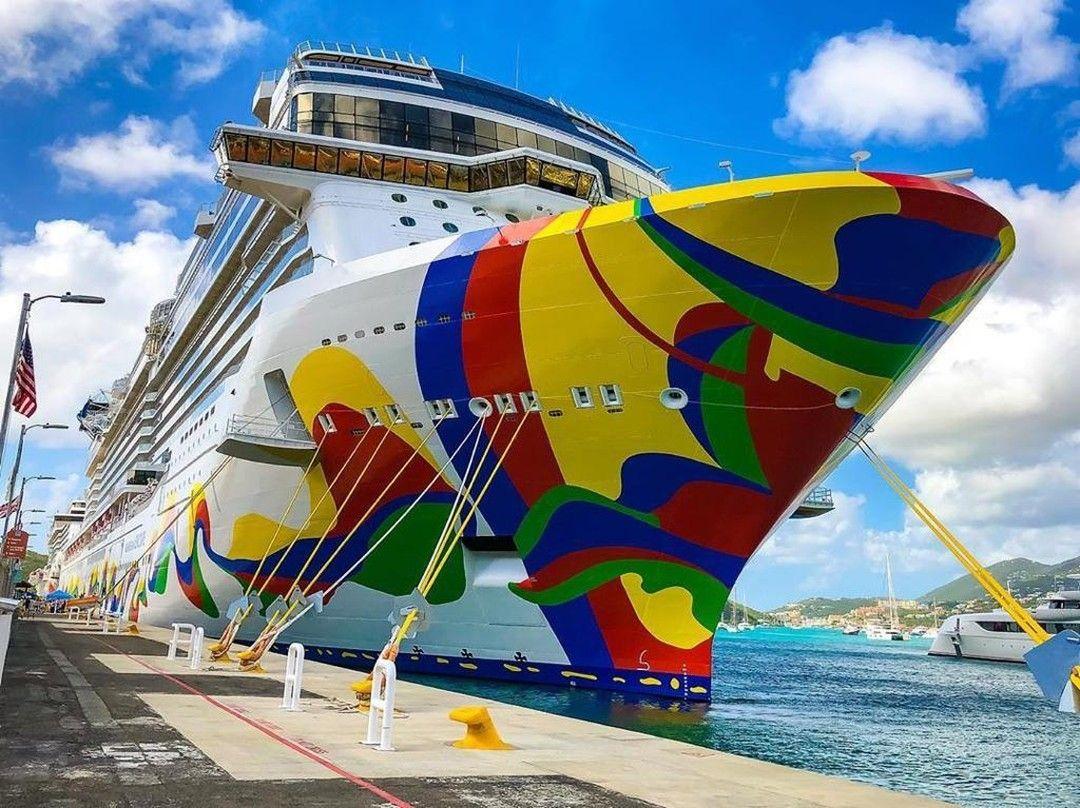 من يريد ان يكون على متن باخرة والإستيقاظ في مدينة جديدة كل يوم Who Wants To Board A Cruise Ship And Wake Up In A New In 2020 Insta Travel