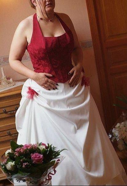 Robe de mariée Bordeaux/Ivoire T50 - Oise