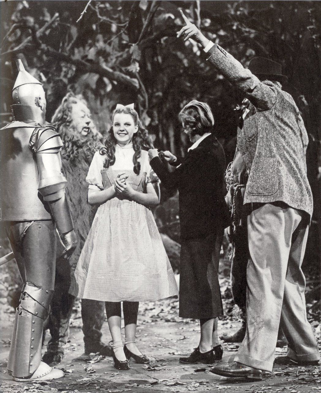 The Wizard Of Oz Audreyfan2 Some More Behind The Scenes Pics Wizard Of Oz Movie Wizard Of Oz Wizard Of Oz 1939