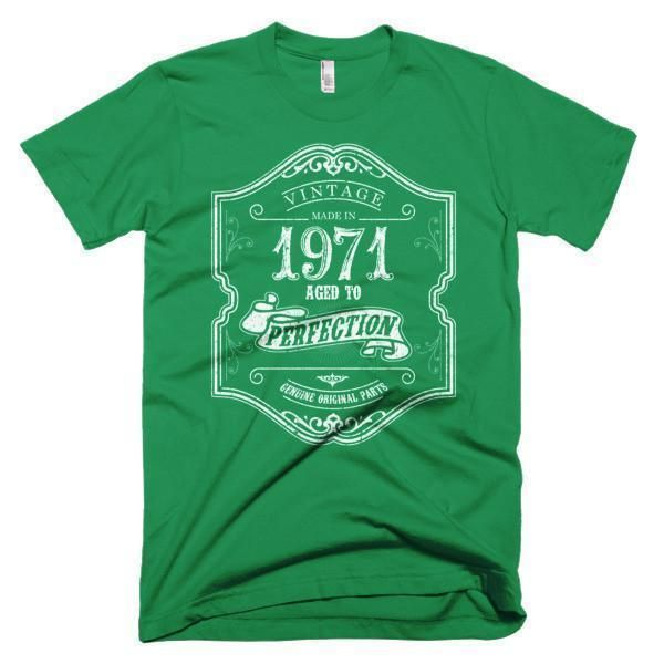 Men's Born in 1971 Aged to perfection 46 yrs years old T-Shirt