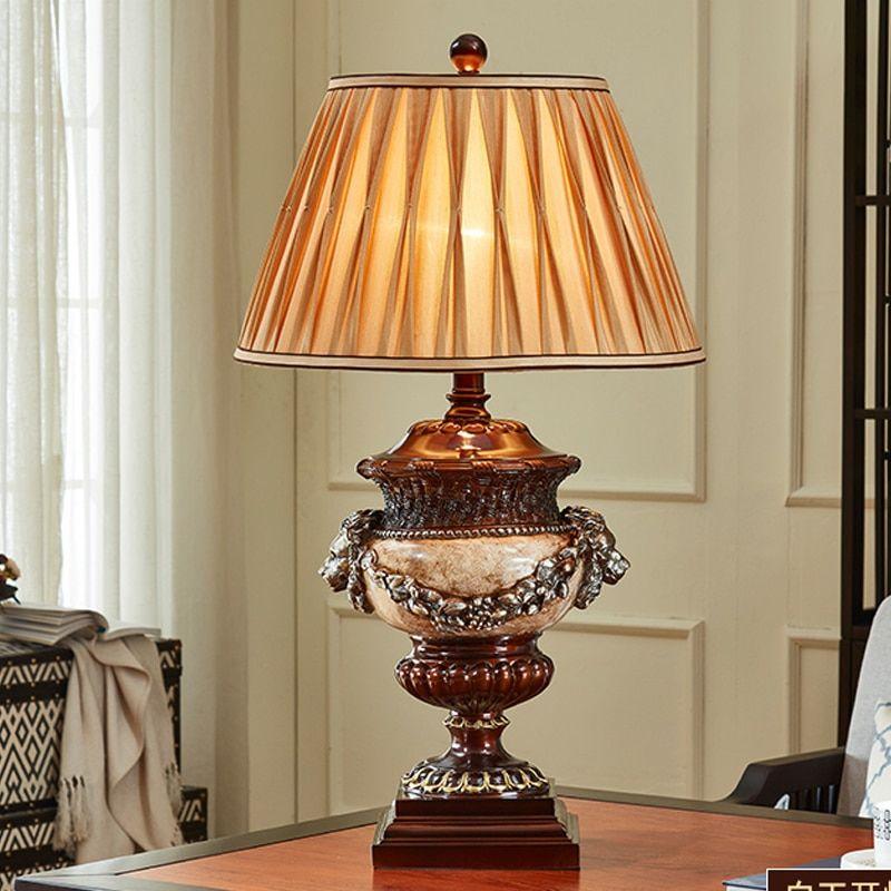 Estilo antiguo con dos cabezas de león | Lámparas de mesa