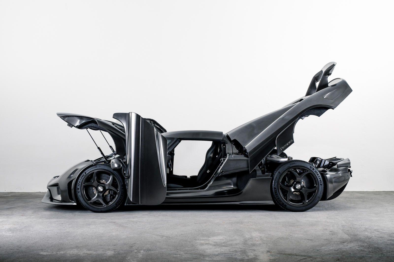 New Koenigsegg 1 500 Hp Supercar Isn T What You Re Expecting In 2020 Koenigsegg Super Cars Carbon Fiber