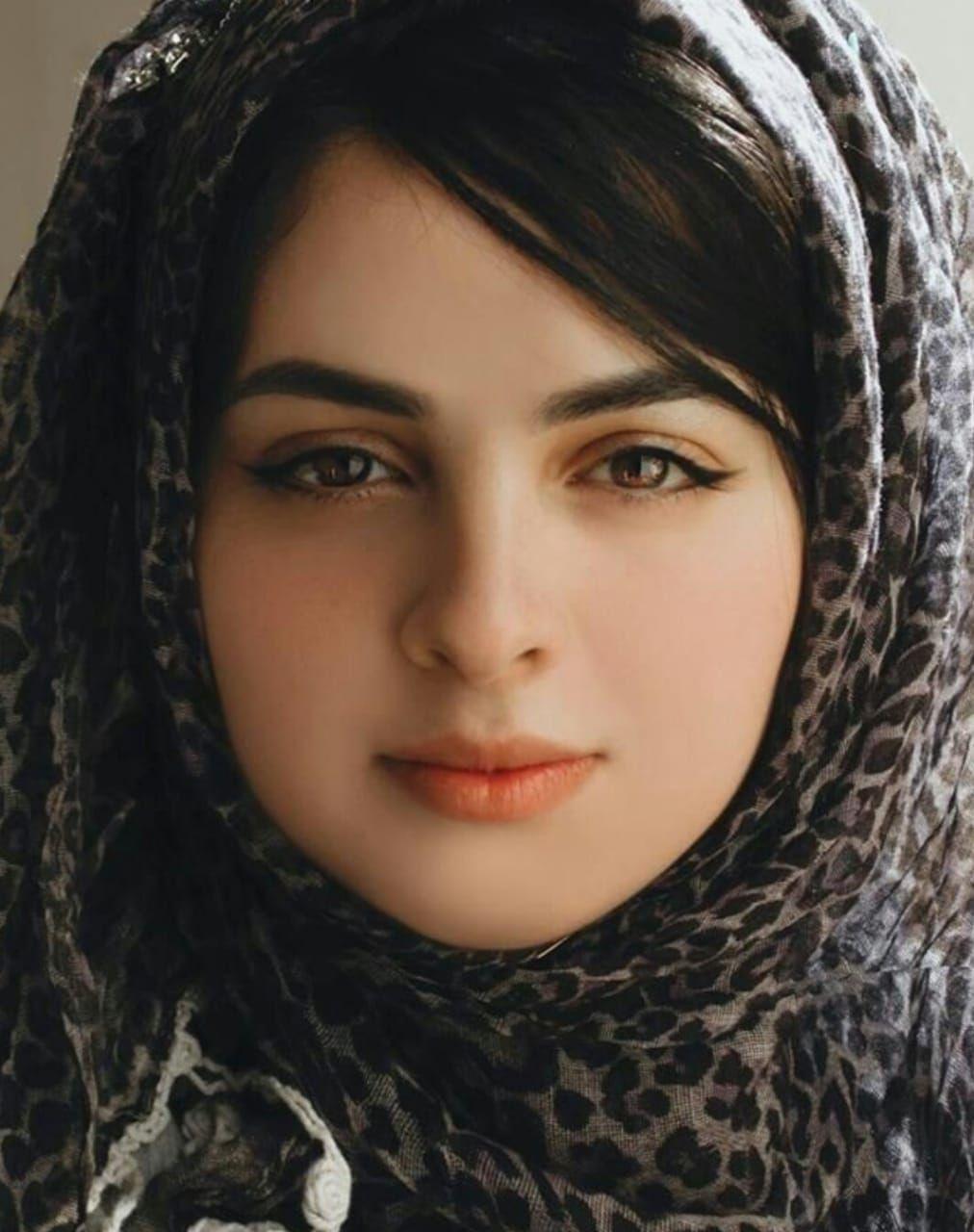 Pakistani girls pictures gallery: Pakistani girl photo