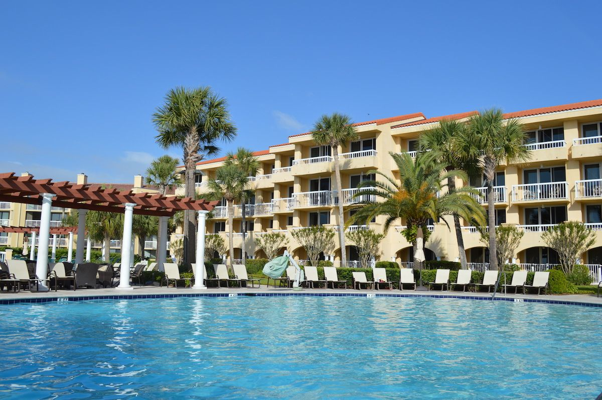 Hotel Review - King and Prince Resort on Saint Simons Island. The resort stays true to its southern island roots and combines the best of a beach resort with the traditions and hospitality of southern living.