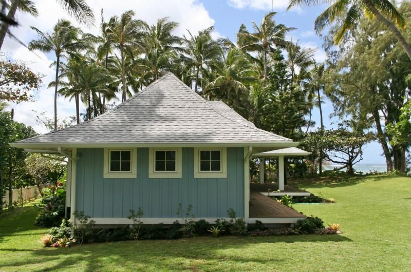 I Like The Simple Window Layout But Would Add A A Stool And Apron Style Window Trim Small Beach Houses Beach House Exterior Hawaii Beach House