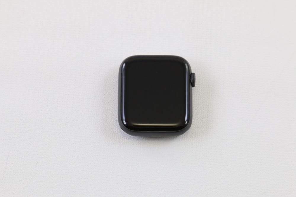 Apple Watch Series 4 Nike 44mm Aluminiumgehause In Space Grau Mit Sportarmband Sport Armband Handys Nike