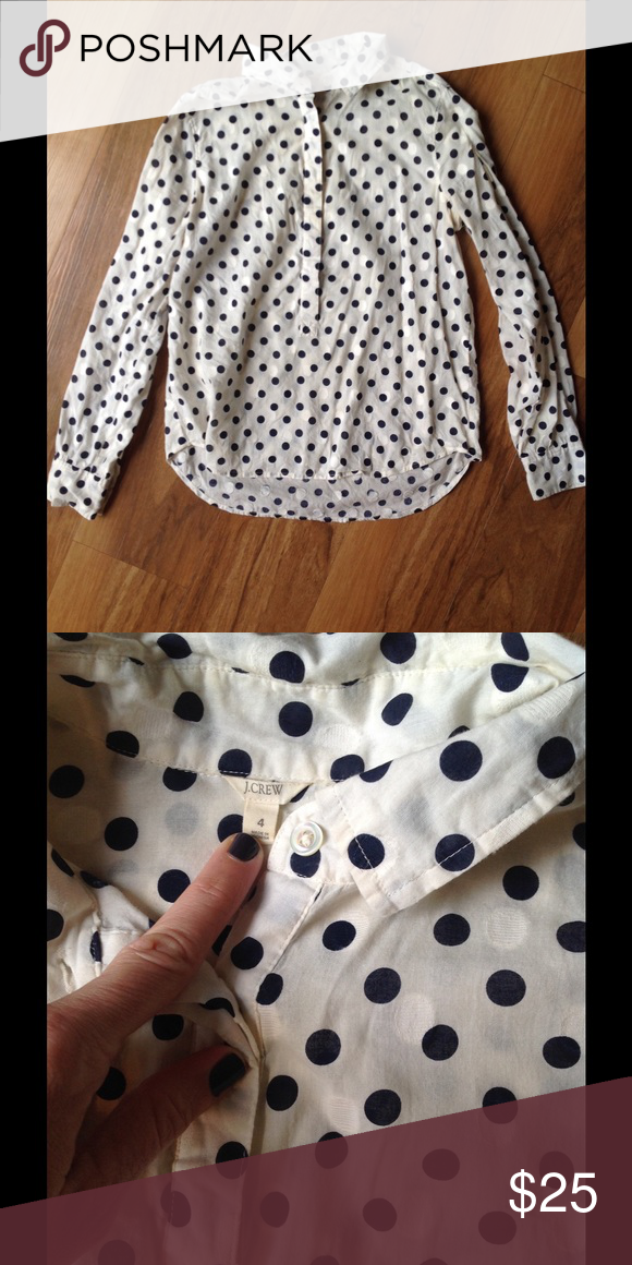 🆕 J Crew Polka Dot Popover White popover with navy blue polka dots and white embroidered polka dots. In excellent condition. Repost because the sleeves were too short on me. Offers welcome. J. Crew Tops Button Down Shirts