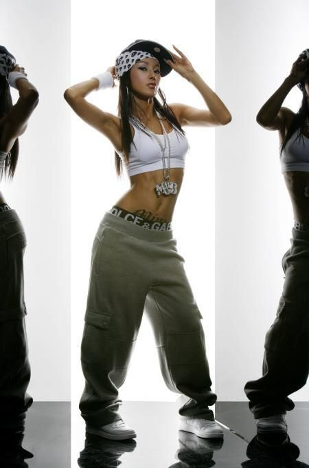 c870e209655b ... and overall oversized clothing plus jewelry. Hip Hop Playlist on Youtube