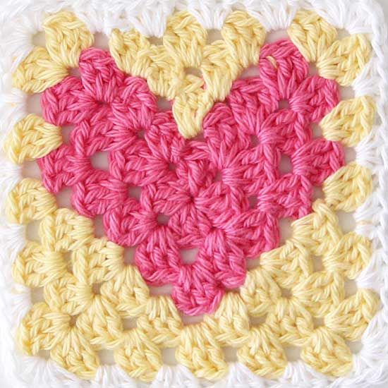 How to crochet a granny square heart from Red Agape