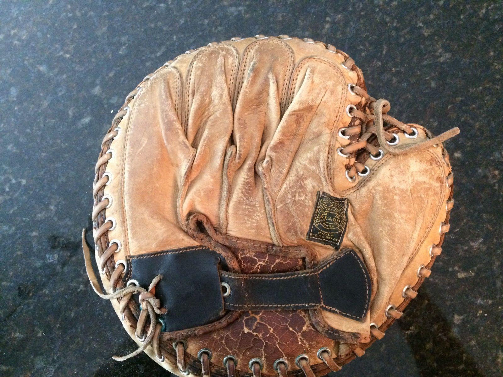 1890/'s The Catcher mask Antique baseball photograph Catchers glove