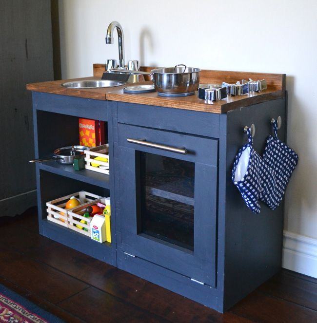 20 coolest DIY play kitchen tutorials Diy play kitchen, Plays and