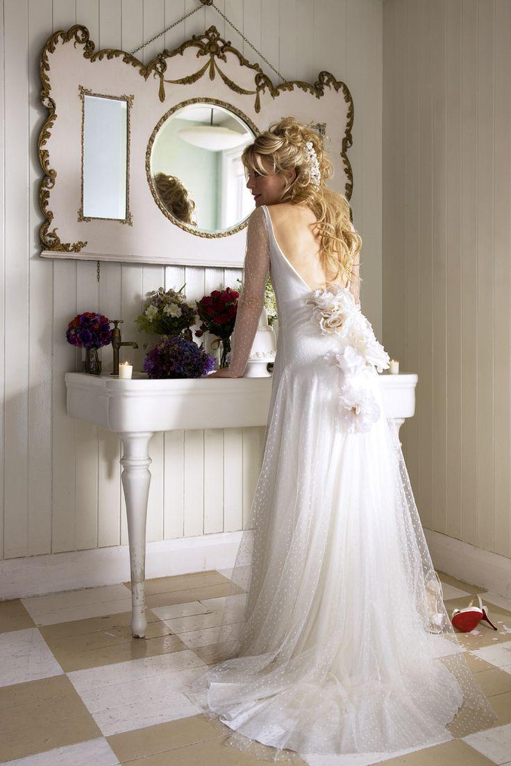 Ana Rosa | Wedding Settings | Pinterest | Ana rosa, Vanities and Shabby