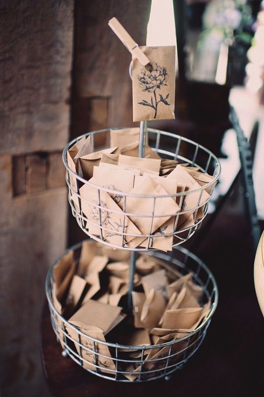 Do yourself a little favour alternative diy wedding favours arty do yourself a little favour alternative diy wedding favours inspired by the four elements 2014 sees favours go all natural with gifts for foodies solutioingenieria Image collections