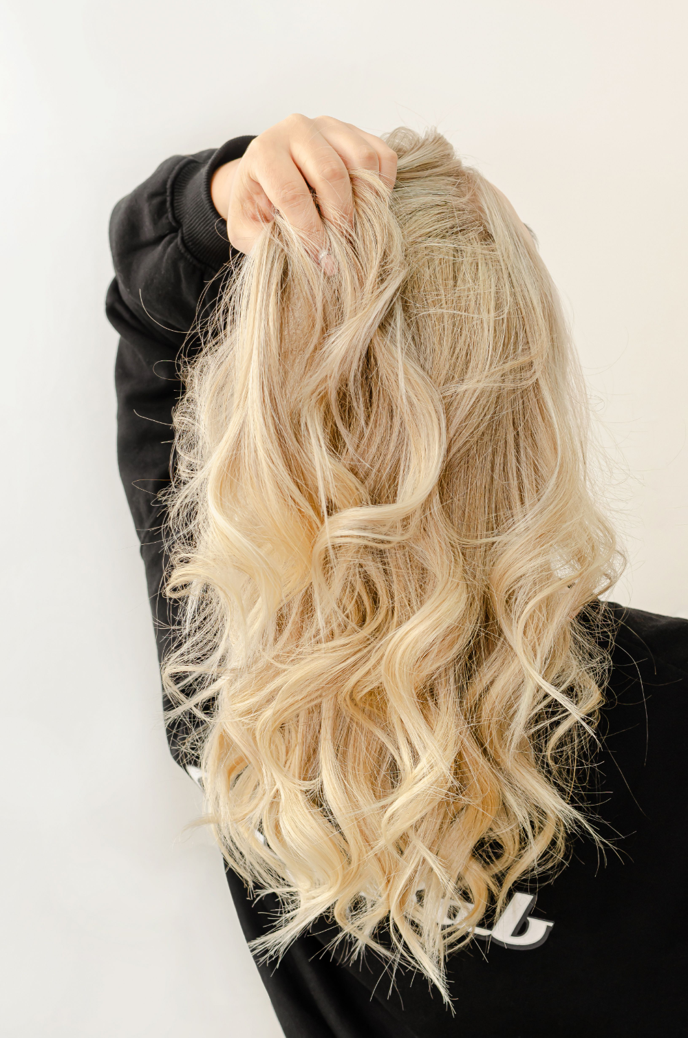 How I Salvaged My Bleached Hair After A Disaster At The Salon Part Ii In 2020 Bleached Hair Bleach Blonde Hair Curly Hair Styles Naturally
