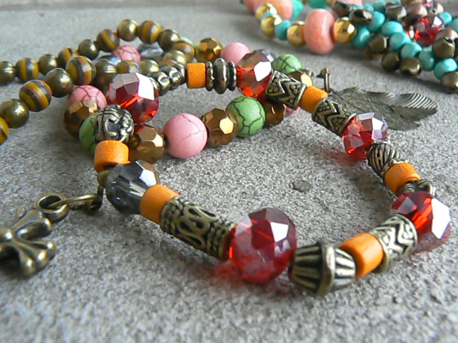 Pulseras multicolores y diferentes materiales..ideales para el verano que se viene..