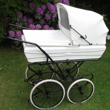 odder d nischer kinderwagen nostalgie creme weiss xxl look in osterr nfeld ko rky. Black Bedroom Furniture Sets. Home Design Ideas