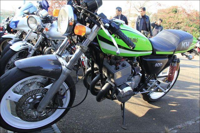 Street motorcycle in Japan - Kawasaki KH400 Custom Bike 集合チャンバー