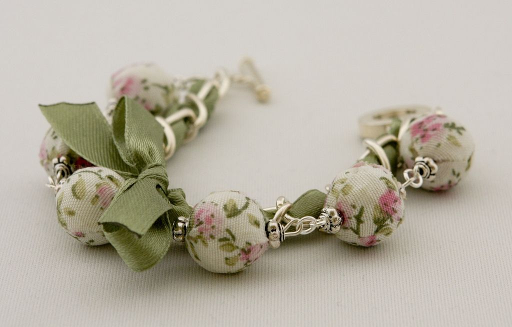 Beads with pink flowers and green ribbon bracelet | Flickr - Photo Sharing!