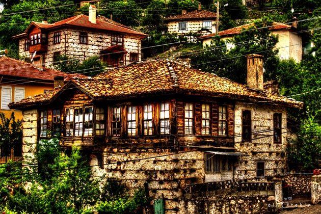 Düğmeli evler İbradı  Ormana Antalya projet maison bois-pierre