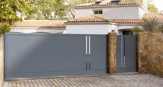 Portail Aluminium Coulissant Charuel Modele Popillo Fabrique Sur Mesure En France Portail Portail Coulissant Maisons Exterieures