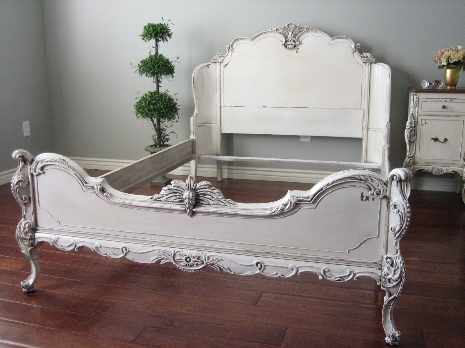 Ornate Bedroom Furniture Sets | Includes: Curved Headboard, Detailed Foot  Board, Wooden Side