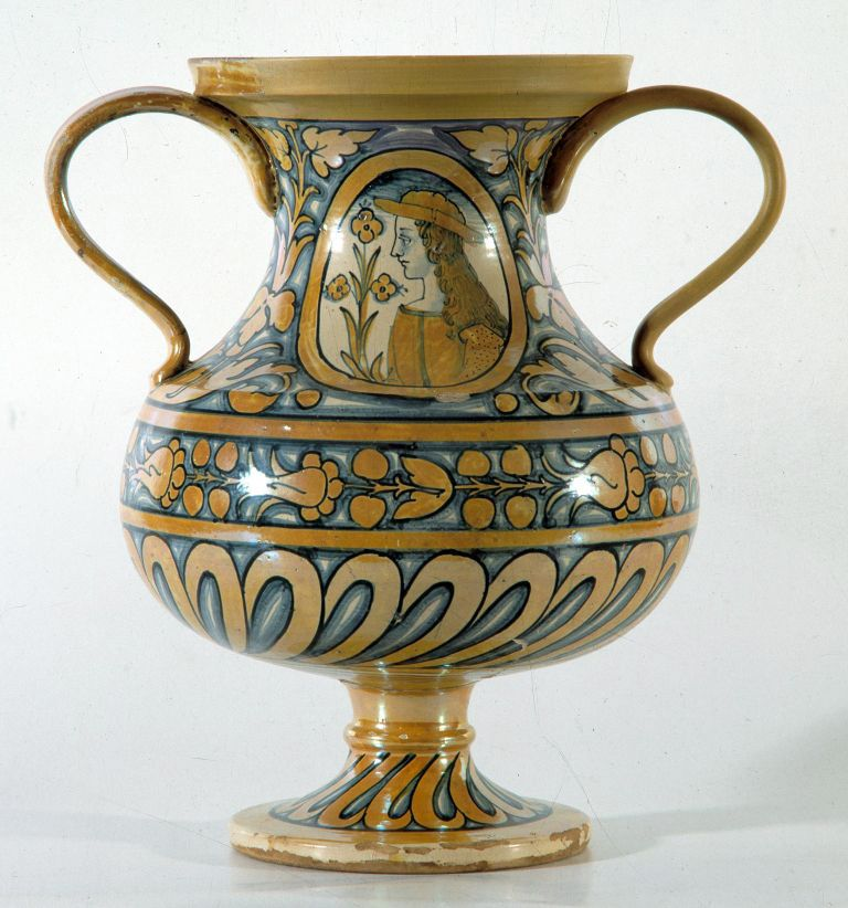 Deruta - Museo Regionale della Ceramica Vaso  Italian Ceramics / Maiolica  ...