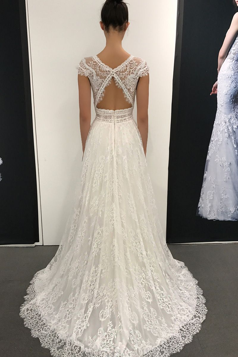 Wedding Dress out of Blue by Enzoani - Lillium
