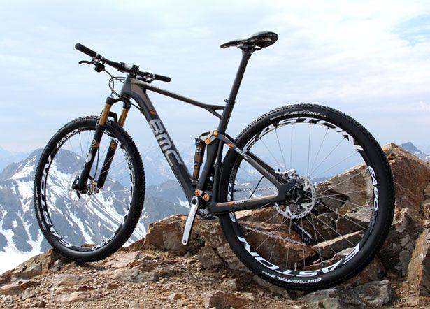 Bmc S New Fourstroke Is One Fast 29er Fiets Fietsen Mountainbike