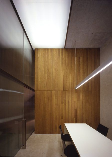 Superieur Meeting Room, Wall Finishes