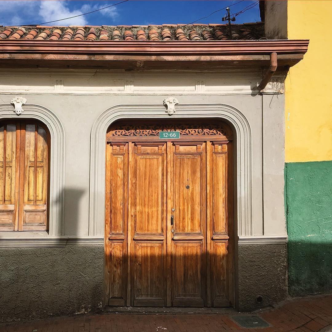 La Candelaria's façades. Walk with us.  Las fachadas de La Candelaria. Camina con nosotros. #SYOUandColombia #facade #Bogotá #LaCandelaria #WalkWithUs