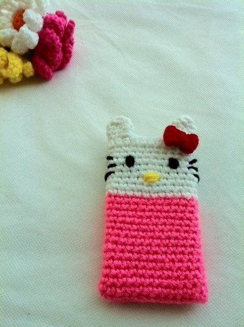 hello kitty phone case | Crochet | Pinterest | Fundas moviles ...