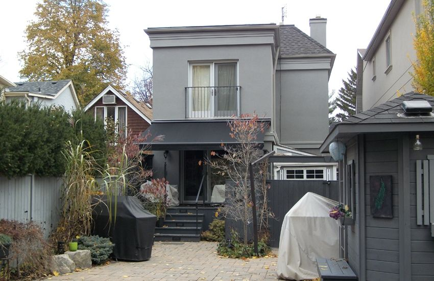Modern Black On Grey Rolltec Retractable Awnings Toronto Ontario Canada In 2020 Retractable Awning Exterior Remodel Modern