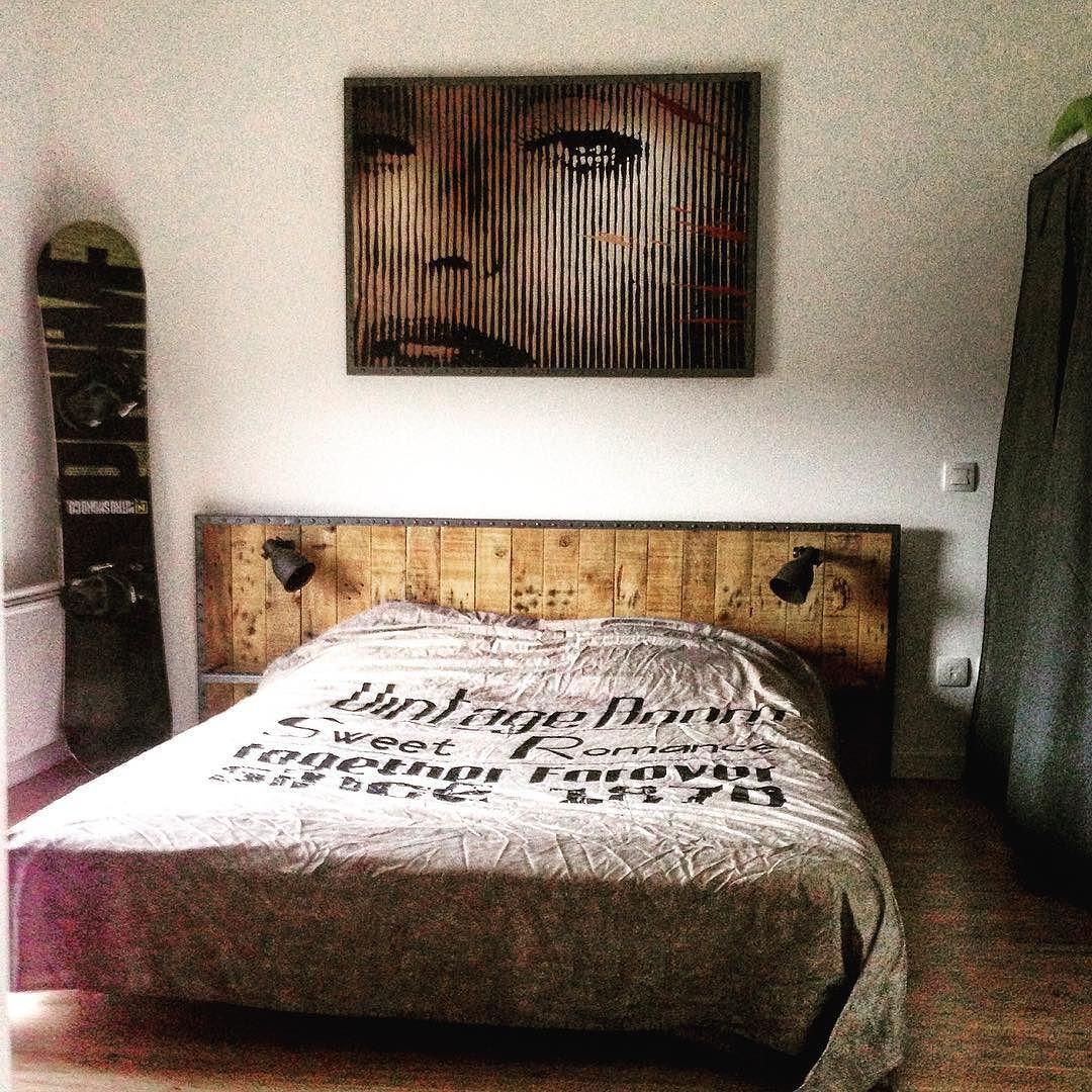 fabrication d 39 une t te de lit et d 39 un cadre industriel. Black Bedroom Furniture Sets. Home Design Ideas
