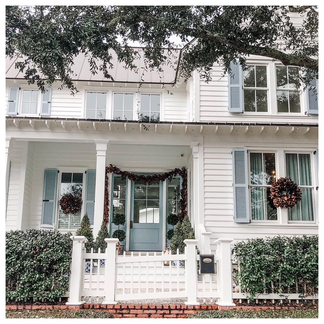 V A L W E B E R On Instagram Juliahengel S House Here In Mount Pleasant Is Goals They Bought This House A Couple Y House House Styles Mount Pleasant