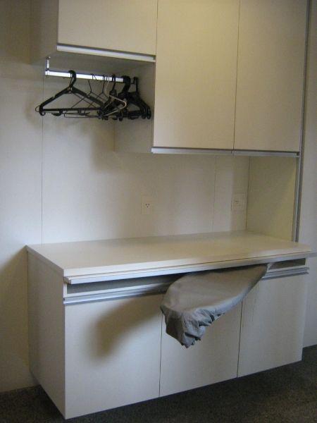 Lavanderia pequena organizada pesquisa google casa for Muebles lavanderia casa