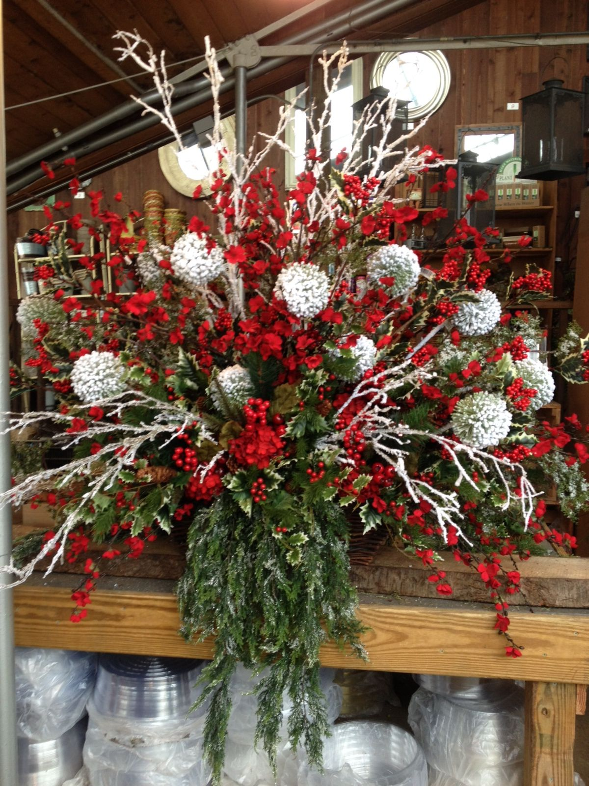 centerpiece for Christmas? Christmas floral, Diy