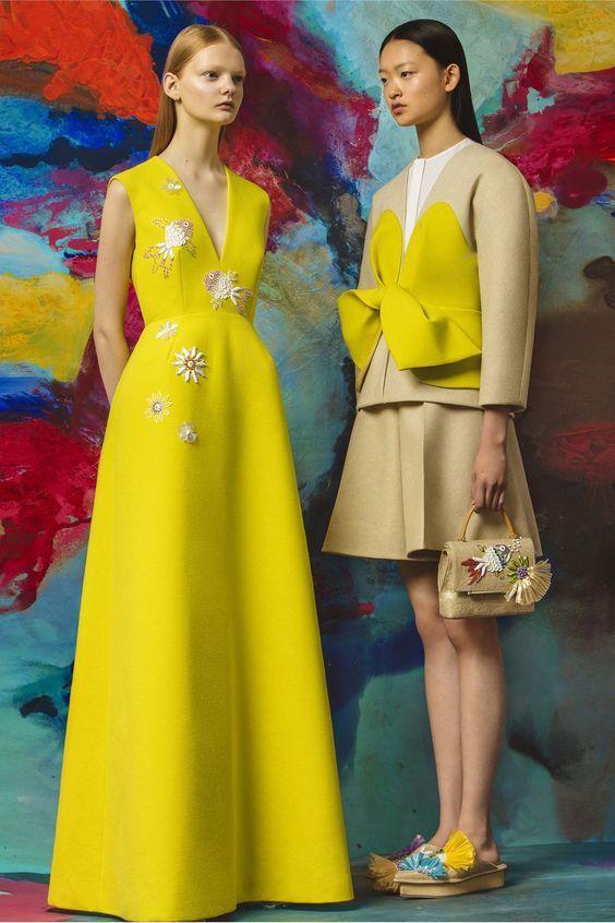 le jaune la couleur tendance de l 39 t 2016 jaune pinterest haute couture mode et mode 2017. Black Bedroom Furniture Sets. Home Design Ideas