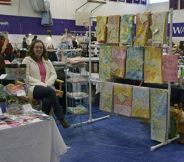 how to display blankets at a craft show
