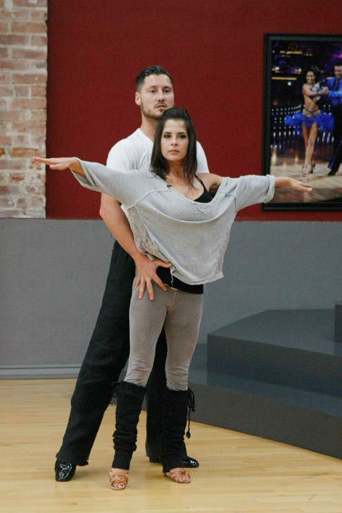 Kelly monaco and val chmerkovskiy dating