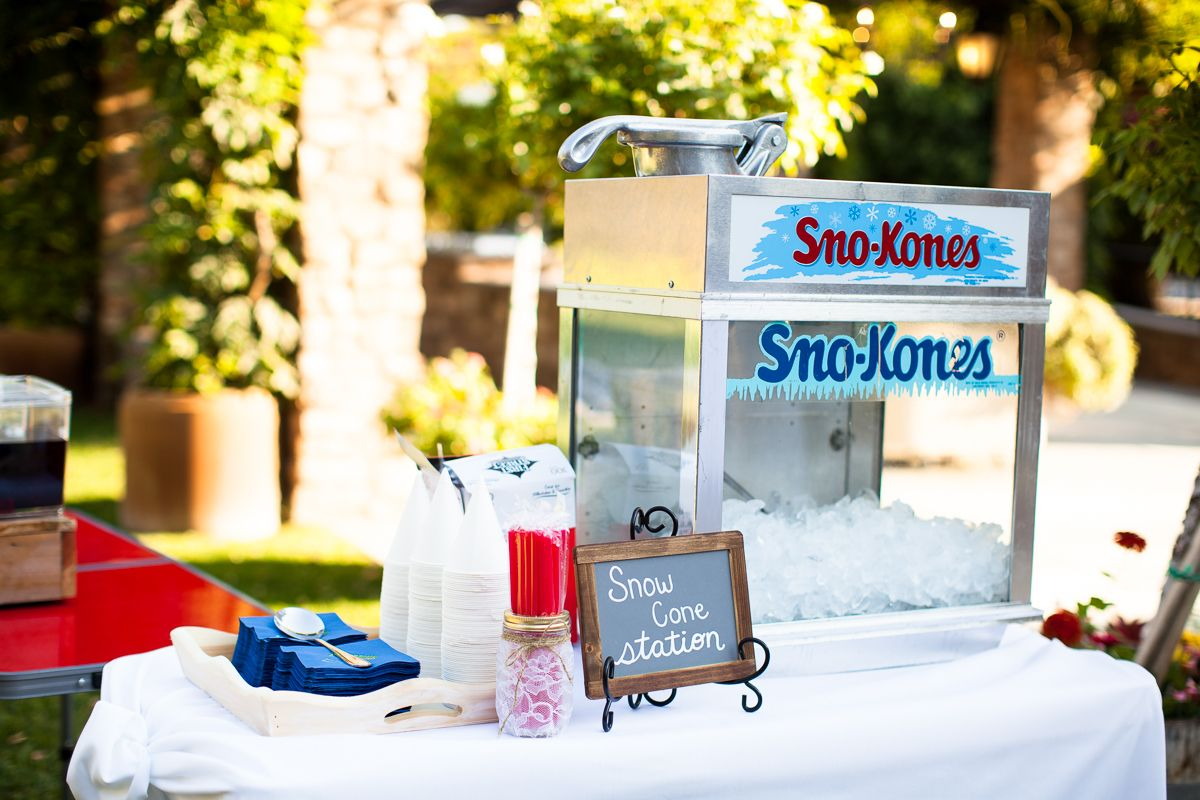 Summer Wedding. Snow Cone Machine. What A Fun Idea! Especially For A Snow