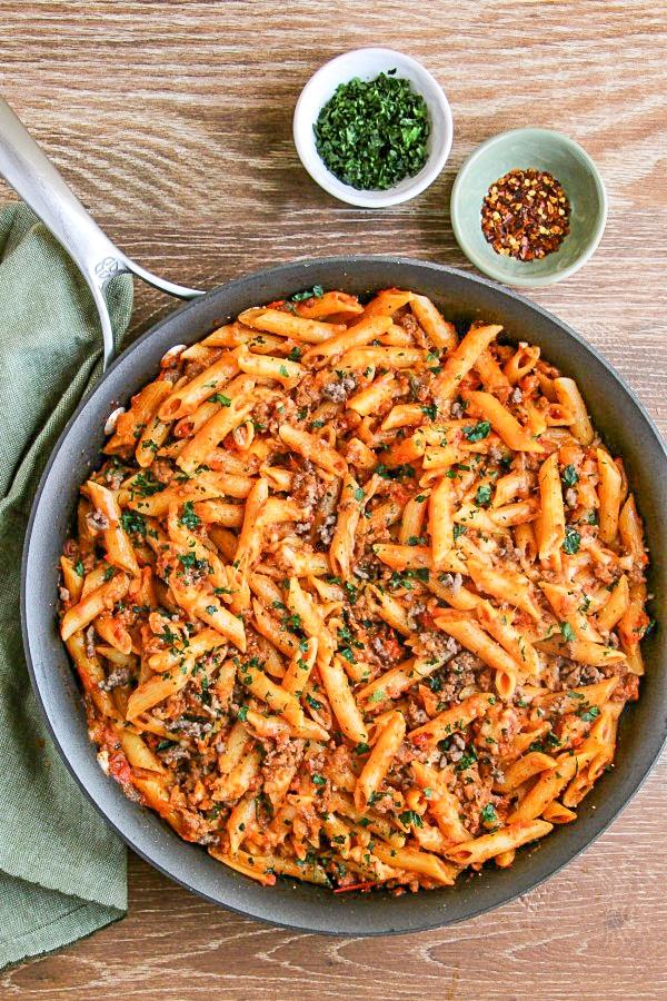 Easy One Pot Mostaccioli Recipe In 2020 Mostaccioli Mostaccioli Pasta One Pot Meals