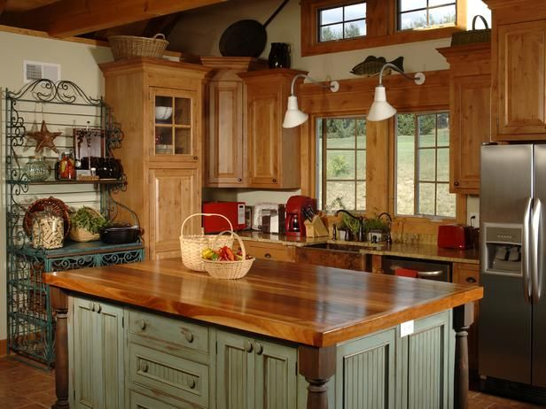 Breathtaking Charming And Exciting Country Kitchen Island Ideas With Luxury Table Top Ide Country Kitchen Island Country Kitchen Designs Country Kitchen