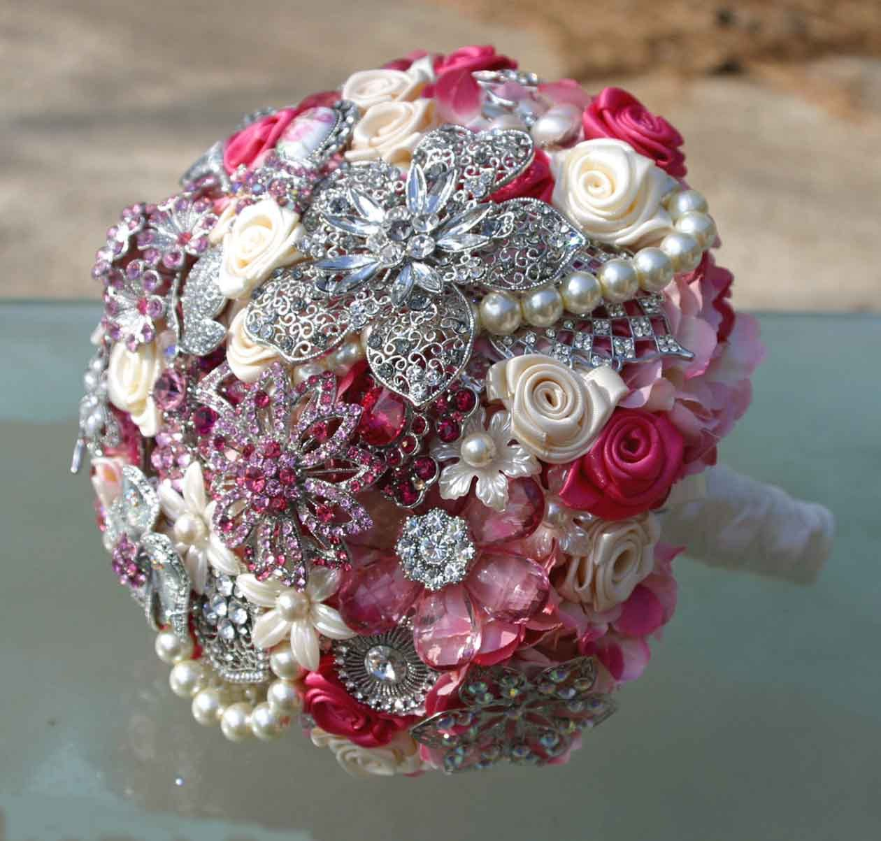A bling bouquet! Randomly found this in the crafts but I love this!