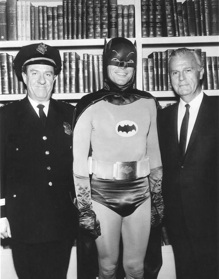Autographs-original - Movies Qualified Adam West Signed In Person At Our Hollywoodshow April 28th 2017 8x10 Batman!