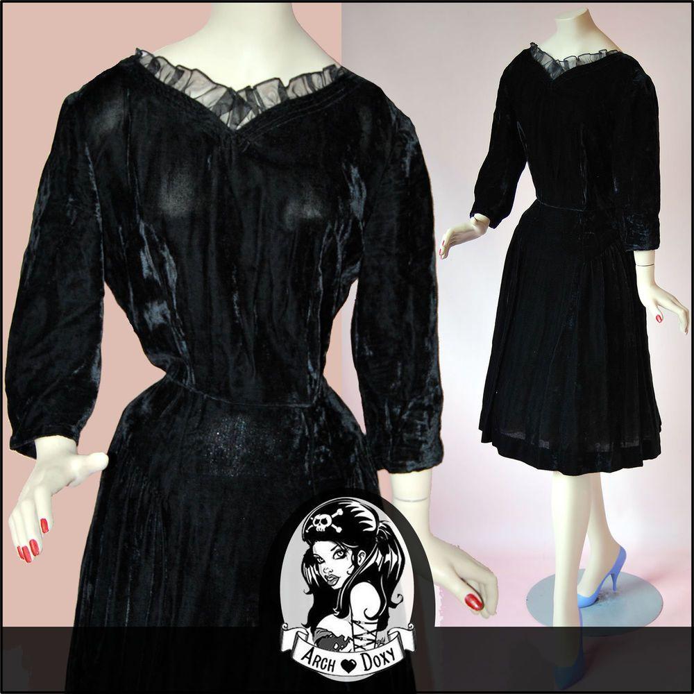 Vintage 1930s Art Deco Jet Black Velvet Cocktail Dress - Frilled Neckline UK14