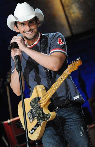 Brad Paisley Jiffy Lube Live Bristow Va Saturday 06 29 13 Read More Http Www Wfre Com Event Port Brad Paisley Country Music Singers Country Music Stars