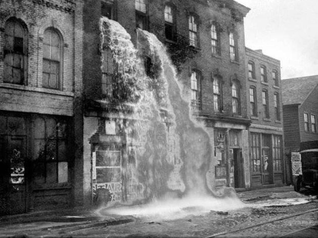 """Old Pics Archive on Twitter: """"This illegal whiskey distillery near Detroit is put out of business. http://t.co/xISMPWjfC7"""""""