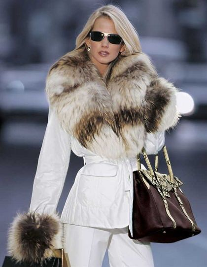 White fur and sunglasses. V | Fashion II | Pinterest | White fur ...