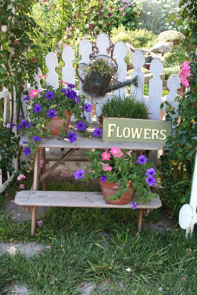 Cottage Style Garden Ideas i love the wild colorful beauty of an english style garden Cottagegarden You Could Say I Have A Cottage Style